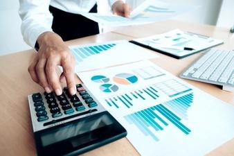 concepto-de-ahorro-de-ahorro-de-la-economia-contadora-o-calculadora-de-uso-bancario_1421-90